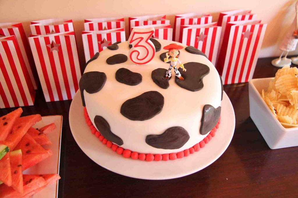 Lauras 3rd birthday cake