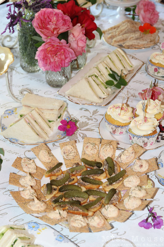 vintage-tea-party-supplies-2