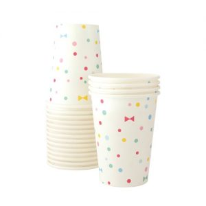 Use the Summer Bows paper cups and enjoy your party drinks in pastel style.