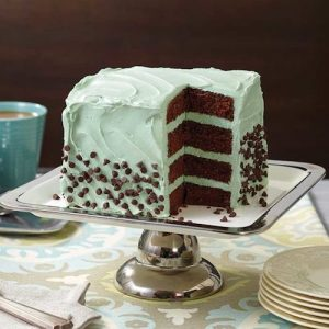 Wilton Square Easy Layer Cake Pan Set for the layered birthday cake.